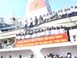 海军第四军区司令部给长沙岛县送去春节礼物