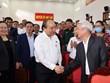 越南政府总理阮春福与海防市安老县选民接触
