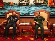 越南人民军总参谋长杜伯巳上将会见柬埔寨皇家空军司令