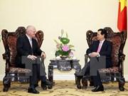 越南政府总理阮晋勇接见欧盟驻越代表团团长法兰兹·叶森