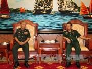 杜伯巳上将会见柬埔寨王家军队总司令部作战局局长
