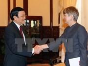 越南国家主席张晋创接见各国驻越大使