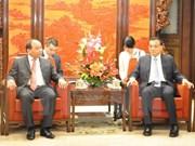 越南政府副总理阮春福会见中国国务院总理李克强