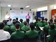 英国协助越南军官提升英语水平
