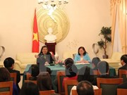 越南国会副主席探访越南驻德国大使馆