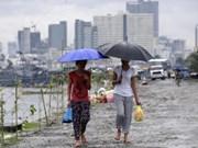 """菲律宾遭台风""""彩虹""""来袭120名渔民失踪"""
