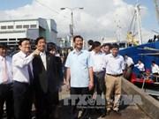 越南国家主席张晋创出席日本向平定省渔民赠送的捕捞设备交接仪式