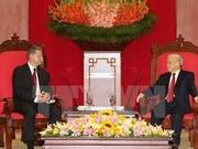 越共中央总书记阮富仲会见匈牙利国会主席克韦尔