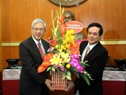 越南祖国阵线中央委员会副主席黎伯程会见耶稣基督后期圣徒教会代表团