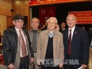 越共中央总书记与河内市选民接触