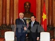 越南国家主席张晋创会见俄罗斯圣彼得堡市市长波尔塔夫琴科