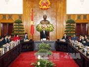 越南政府总理阮晋勇会见工商企业代表团