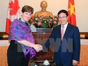 越南政府副总理兼外交部长范平明会见加拿大国际发展及法语部部长