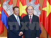 柬埔寨王国参议院主席赛宗圆满结束对越的访问