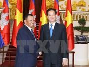 越南政府总理阮晋勇会见柬埔寨王国参议院主席赛宗