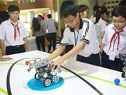 胡志明市为学生和大学生举行科技日