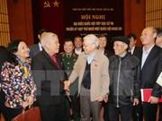 越共中央总书记阮富仲与河内市选民接触