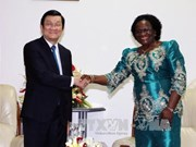 越南国家主席张晋创会见莫桑比克议会议长与解放阵线党秘书长