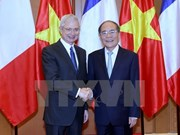 法国国民议会议长巴尔托洛内圆满结束对越访问