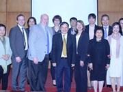 越南和加拿大加强民间交流合作