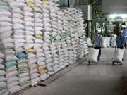 越南政府副总理阮春福:需要紧密跟踪大米生产及出口活动