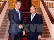越南政府总理阮春福会见世贸组织总干事罗伯特·阿泽维多