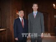 越南大使向列支敦士登公国储公亚洛伊递交国书
