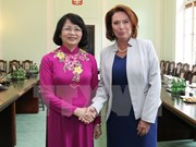 越南国家副主席邓氏玉盛会见波兰众议院副议长