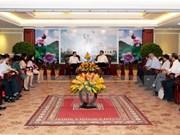 胡志明市领导人会见新任越南驻外使节代表团