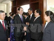 国家主席陈大光会见越南驻老大使馆工作人员和旅老越南人代表