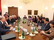 越南共产党与捷克和摩拉维亚共产党加强合作