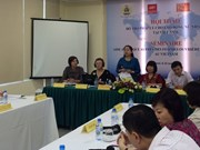 为越南女性移民劳动者提供法律协助研讨会在河内举行