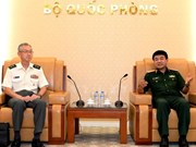 越南人民军队总参谋部领导会见日本防卫力量代表团