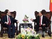 越南政府总理阮春福会见哈佛大学教授