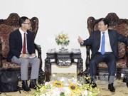 越南政府副总理郑廷勇会见泰国暹罗水泥集团领导