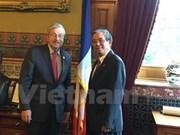 越南同美国爱荷华州加强合作关系