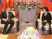 越南国会主席阮氏金银会见斯洛伐克总理罗伯特·菲乔