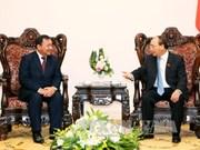 越南政府总理阮春福会见了柬埔寨驻越南大使