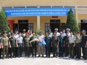 多国驻越武官代表团参观越南防空空军军种78营