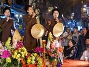 河内古街夜晚生动的民族音乐