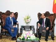 越南政府总理阮春福会见法国驻越大使