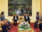 越南公安部长苏林上将会见越南驻外大使和代表机构首席代表