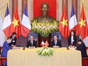法国总统:越南在东南亚地区占有重要的地缘战略