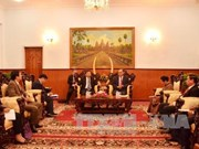 柬埔寨领导会见越共中央对外部代表团