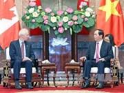 越南国家主席陈大光会见即将离任的加拿大驻越大使大卫·迪瓦恩