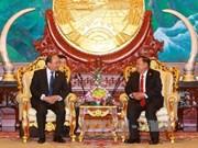 越南政府总理阮春福拜访老挝国家主席本扬·沃拉吉
