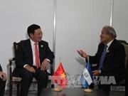 越南政府副总理兼外长范平明与各国元首和领导人进行双边会晤