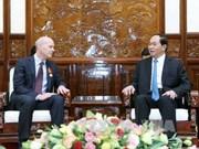 越南国家主席陈大光会见世界宣明会主席凯文·詹金斯