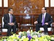 越南国家主席陈大光会见巴勒斯坦驻越大使萨阿迪•萨拉马