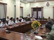 各国驻越大使馆武官代表团访问越南海军司令部
